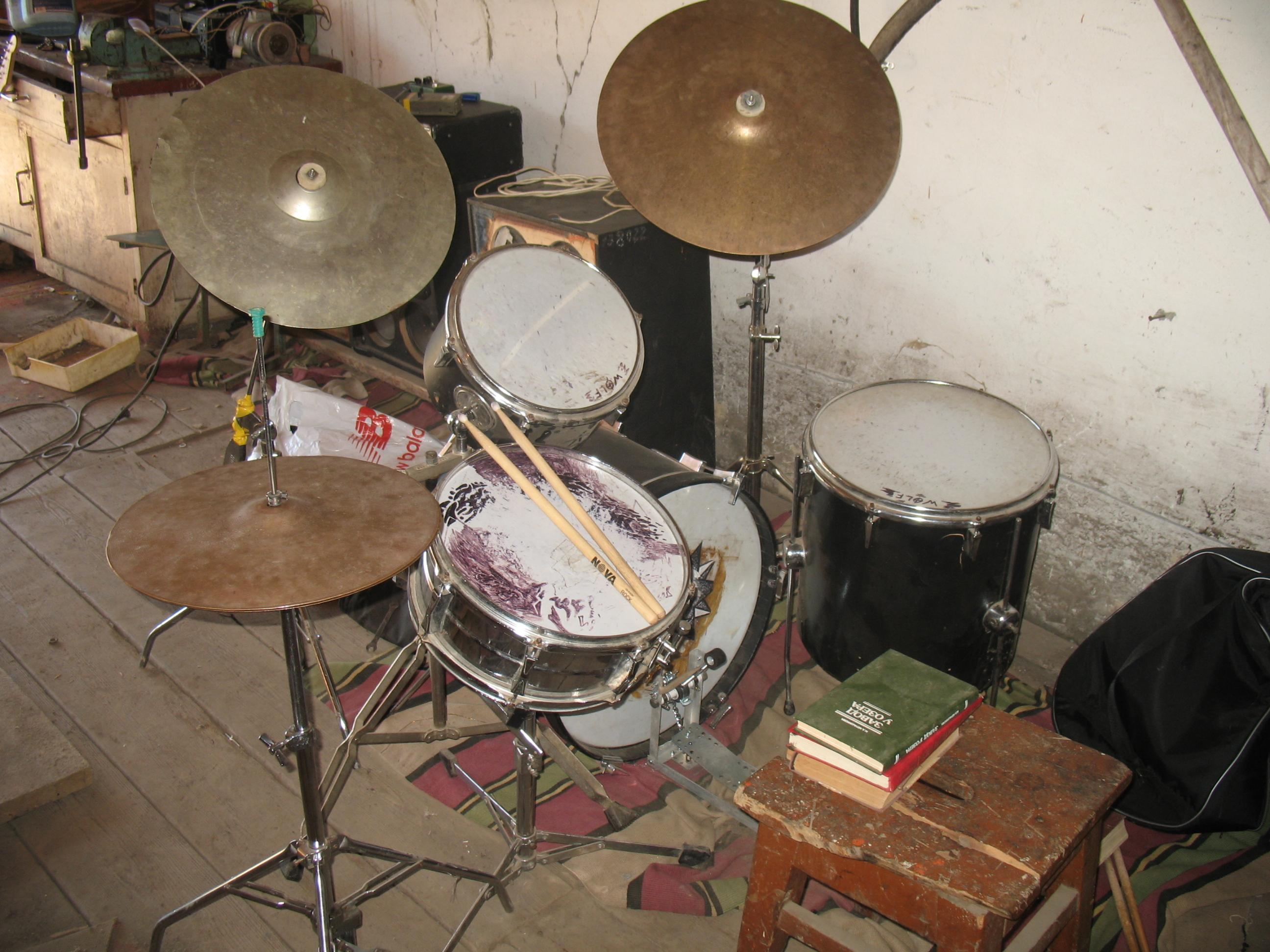 Как сделать свою барабанную установку 217
