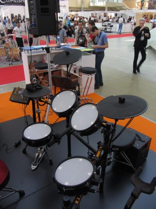 Электронные барабаны MarkDrum толком не работали. :-(