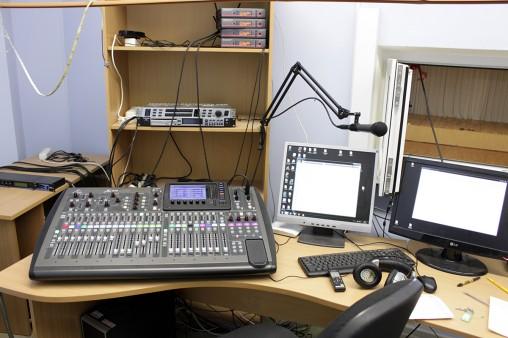 Behringer X32 в школьной радиорубке