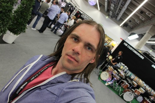 """Собственно, я. Специально для Digital-Drums.ru... ну и для """"Джема"""", конечно. ))"""