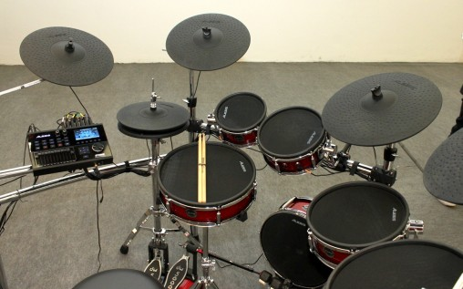 Alesis Strike Kit полноразмерные электронные барабаны
