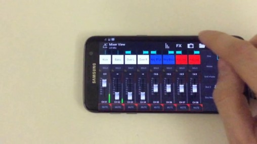 Behringer X Air на смартфоне мелкова-то...